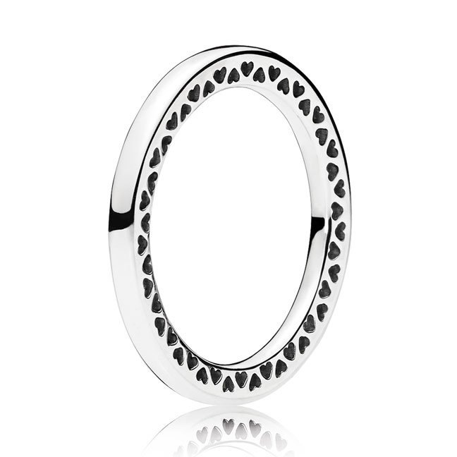 c27492c26 196237-50 - Sterling Silver Classic Hearts of PANDORA Ring - Size 5 / 50